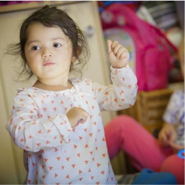 Communiquer avec bebe par la langue des signes
